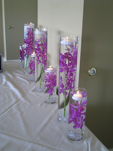 purple wedding table settings
